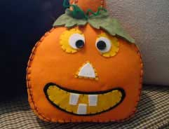 holiday_Pumpkin-Pillows-1