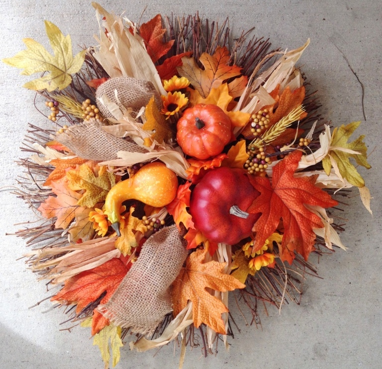 Circular Fall Wreath - MattandShari.com